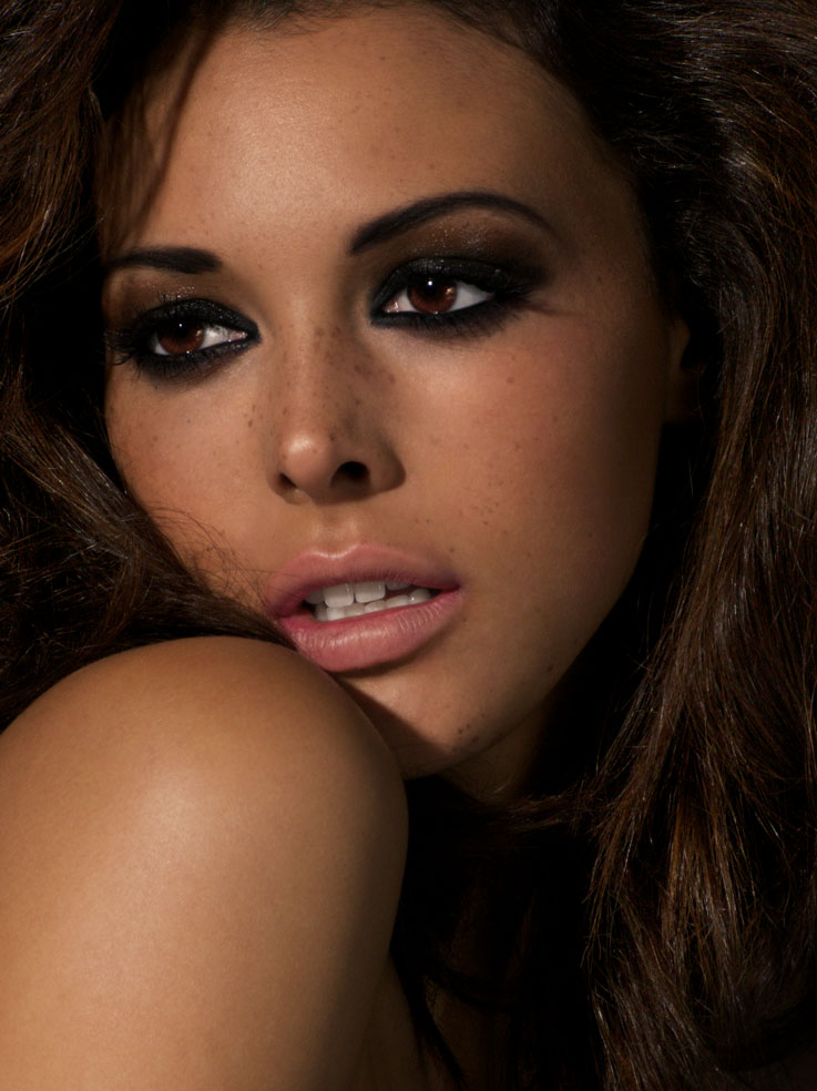 Victoria Bond Nude Photos 4